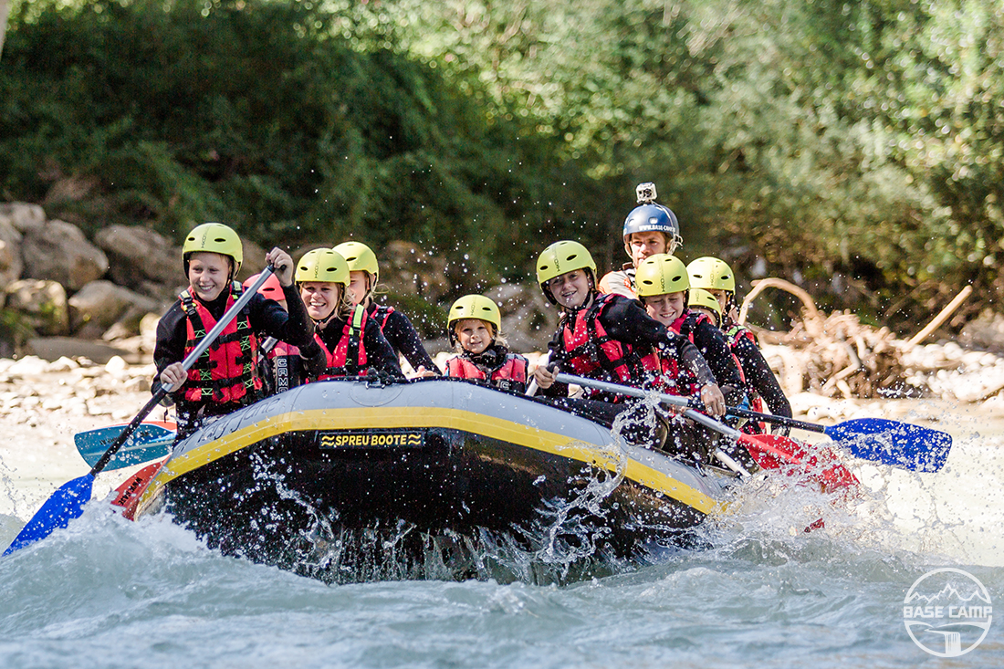 """Rafting beim Base Camp Lofer"""